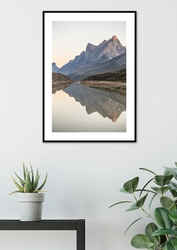 - -- PosterBergskam över stilla vatten 2